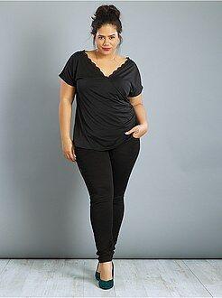Tallas grandes mujer Camiseta de escote cruzado con encaje
