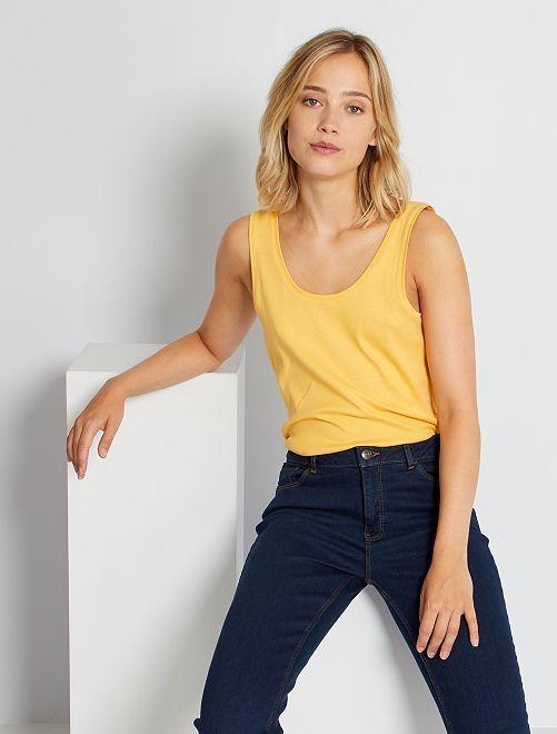 Camiseta de tirantes con cuello en U eco-concepción                                                                                                                                                     amarillo crema