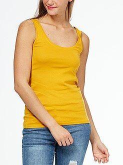 Camiseta de tirantes cuello U