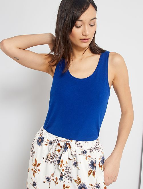 Camiseta de tirantes cuello U                                                                                                                                         azul
