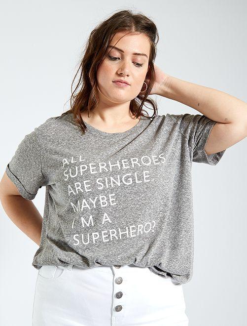 Camiseta estampada con mensaje                             GRIS