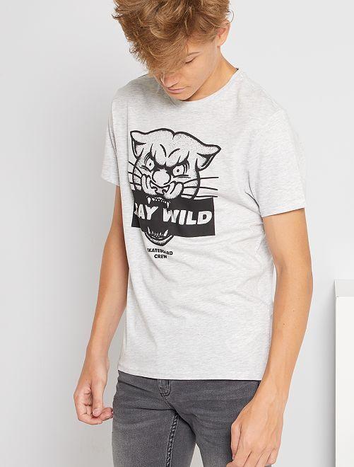 Camiseta estampada de manga corta                                                                                                                                                                                                                                                                             GRIS