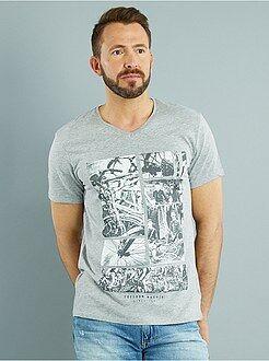 Hombre Camiseta estampada de punto con cuello de pico