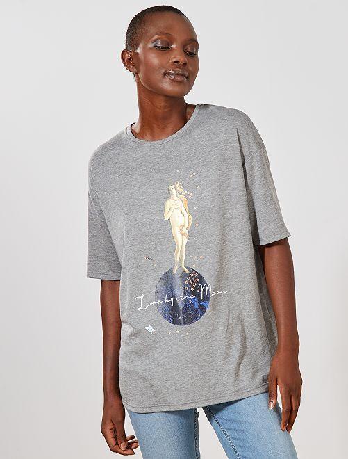 Camiseta estampada oversize                             GRIS