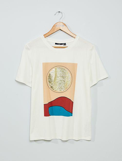 Camiseta estampada 'rostro'                                                                 ROJO