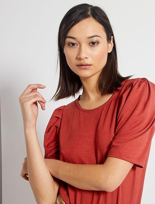 Camiseta gofrada con manga presunto                                         ROJO