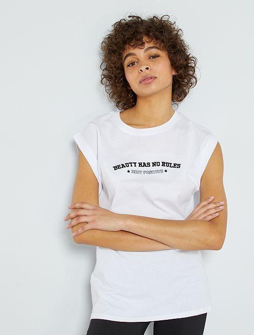 Camiseta larga con bordado                                         BLANCO