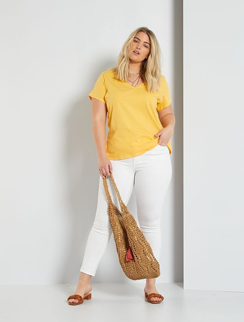 Camiseta lisa con cuello de pico                                                                                                                             amarillo crema