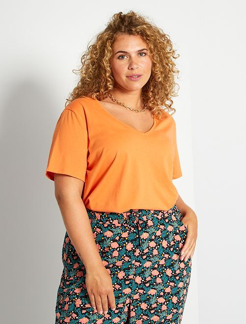 Camiseta lisa con cuello de pico                                                                                                                             naranja