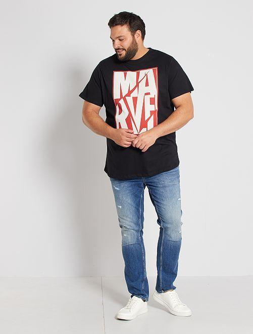Camiseta 'Marvel'                             negro