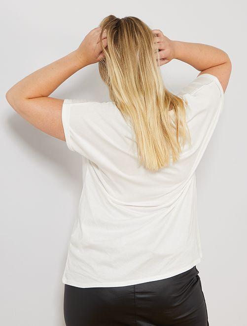 f6e9d7e41 Camiseta 'Pam Pam'