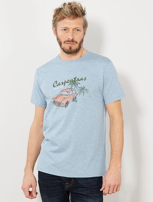Camiseta regular con estampado de coche                                                     AZUL Hombre