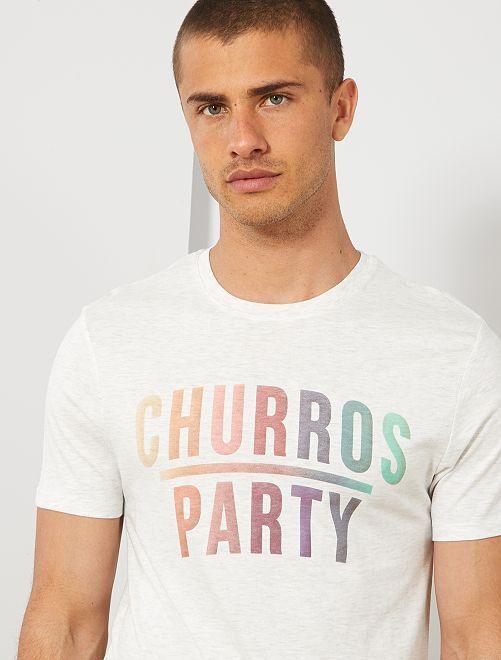 Camiseta regular de algodón orgánico estampada                                                                                                                                         BEIGE