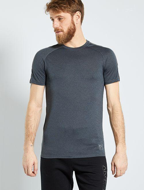 Camiseta regular de microfibra                                         NEGRO