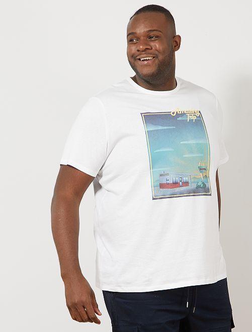 Camiseta regular con estampado de bandera                                                         BLANCO Tallas grandes hombre