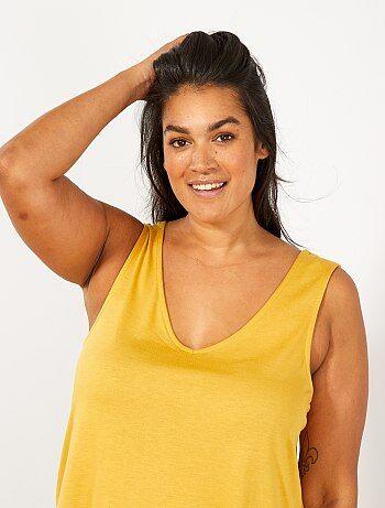 1132f62f356 Tallas grandes mujer - Camiseta sin mangas con escote de pico delante y  detrás - Kiabi