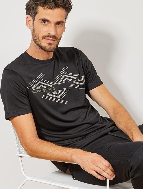 Camiseta técnica 'Umbro'                             NEGRO