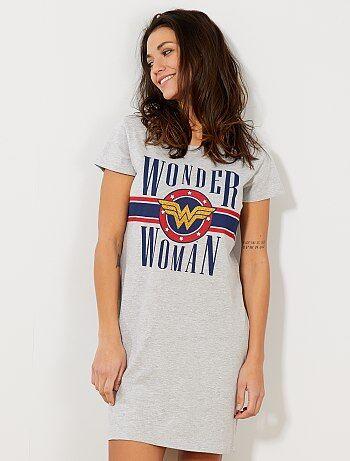 6ba31cb24fa Camisón  Wonder Woman  - Kiabi