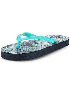 Zapatos, zapatillas verde - Chanclas de playa estampadas