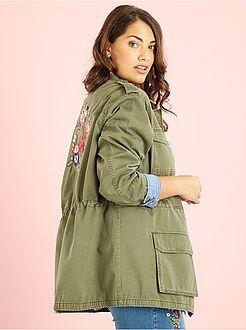 Tallas grandes mujer Chaqueta sahariana con bordado trasero