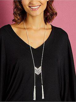 Bisutería - Collar plastrón con detalles en forma de V y borlas