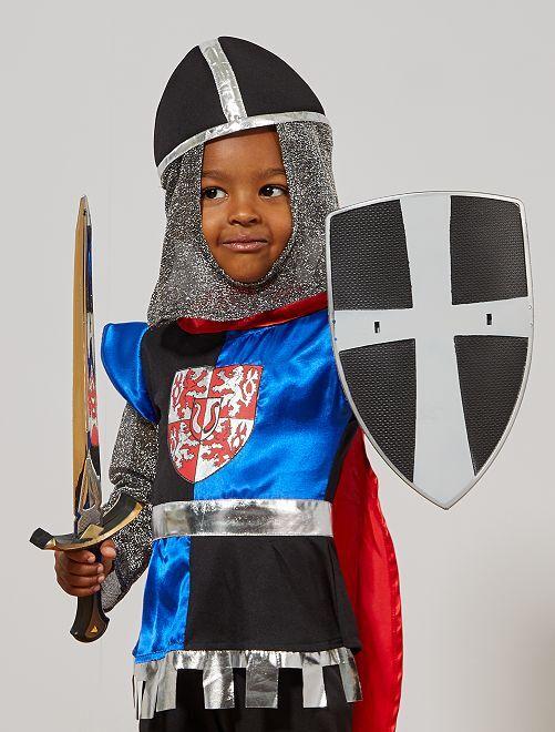 Conjunto de escudo y espadas                             gris
