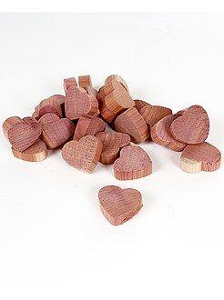 Decoración textil - 'Corazones' antipolillas de madera de cedro