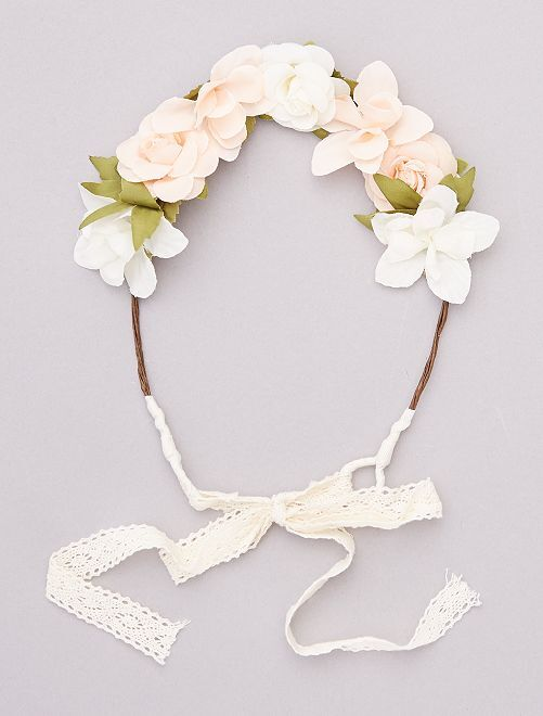 Corona de flores con cinta                                         BEIGE
