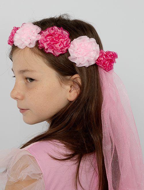 Corona de flores con velo                             rosa