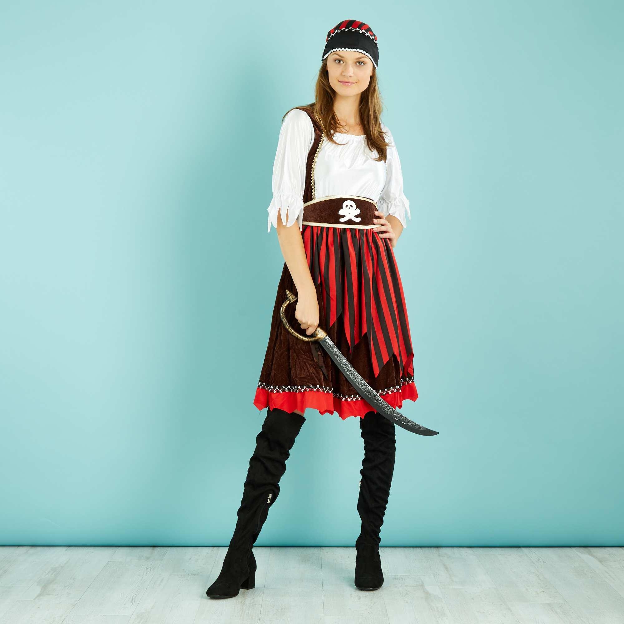 disfraz de pirata mujer kiabi 20 00. Black Bedroom Furniture Sets. Home Design Ideas