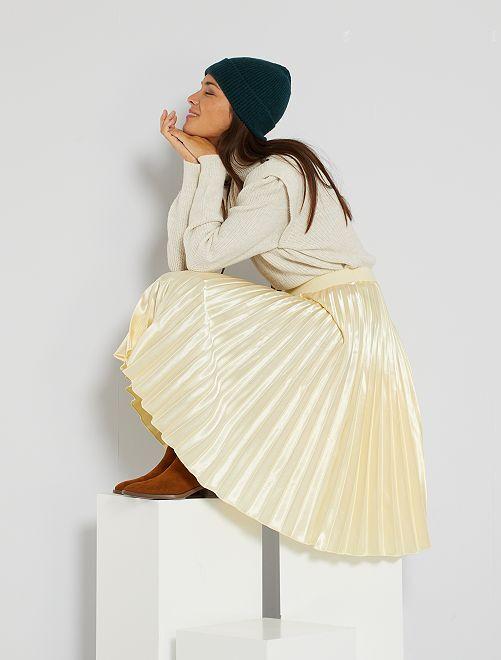 Falda plisada satinada                                                     beige oscuro