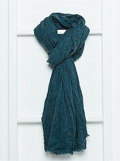 Echarpe, bufandas, pañuelos - Fular jaspeado con flecos en los acabados