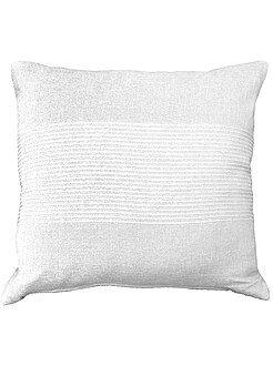Decoración textil - Funda de cojín bordada de algodón