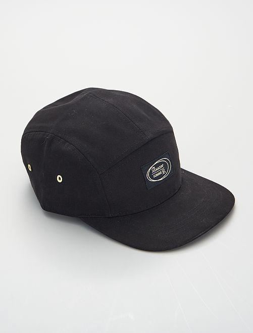 Gorra con visera plana                             negro