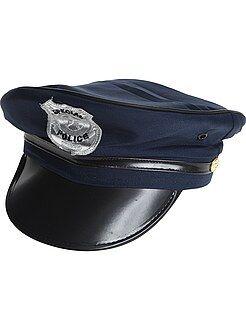 Gorra de policía con visera e insignia