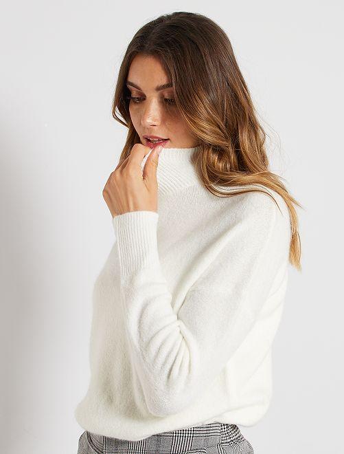 Jersey con cuello chimenea                                                                                                                                         blanco nieve