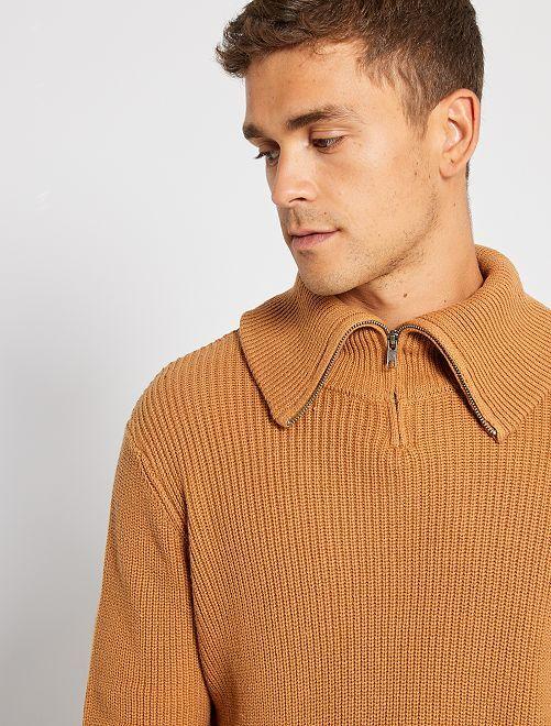 Jersey con cuello de cremallera                             camello
