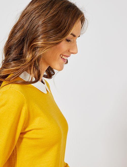 Jersey fino con cuello bebé                                         amarillo bronce