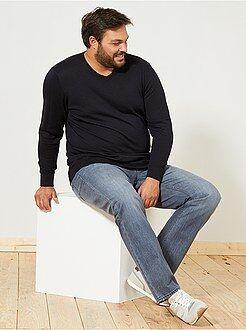 Jerséis, chaquetas de punto - Jersey fino con cuello en V talla grande