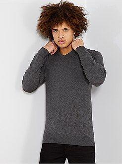 Jersey ligero con cuello de pico