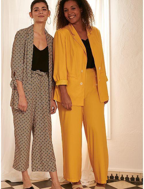 Pantalón ancho con botones                             amarillo bronce
