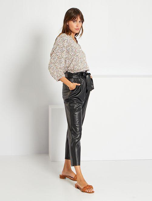 Pantalón capri paperbag sintético                             negro