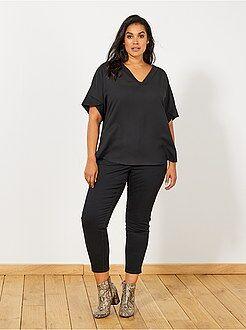Pantalones cortos, short - Pantalón capri slim con 4 botones - Kiabi