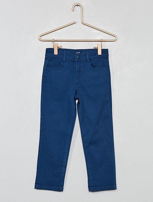 Pantalón capri slim liso                                                         azul marino Chica