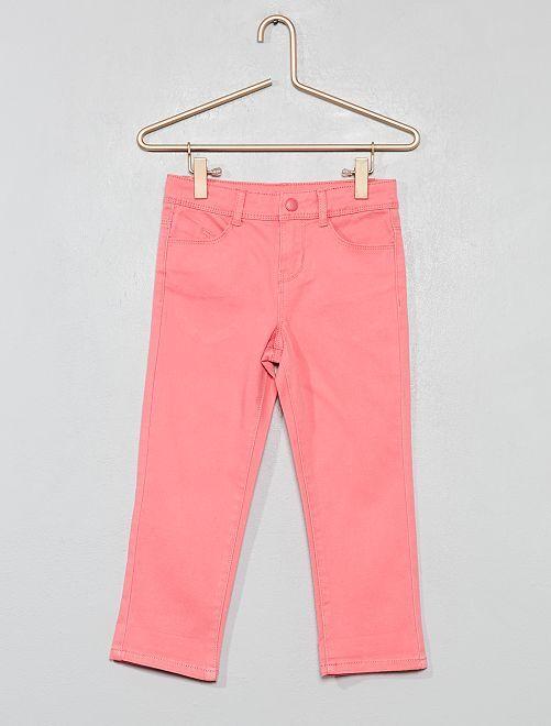 Pantalón capri slim liso                                                                                         ROSA