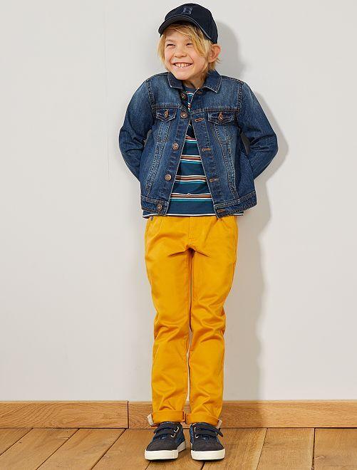 Pantalón chino con cintura en contraste                                                     AMARILLO Chico