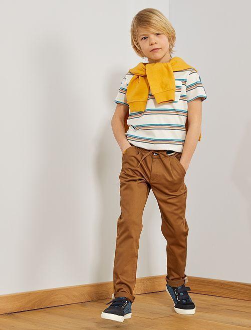 Pantalón chino con cintura en contraste                                                     BEIGE Chico
