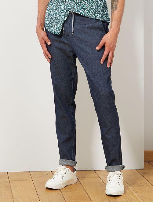 Pantalón chino con cordón                             AZUL Hombre