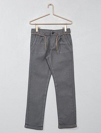 77293f7aeae Pantalón chino con pinzas - Kiabi