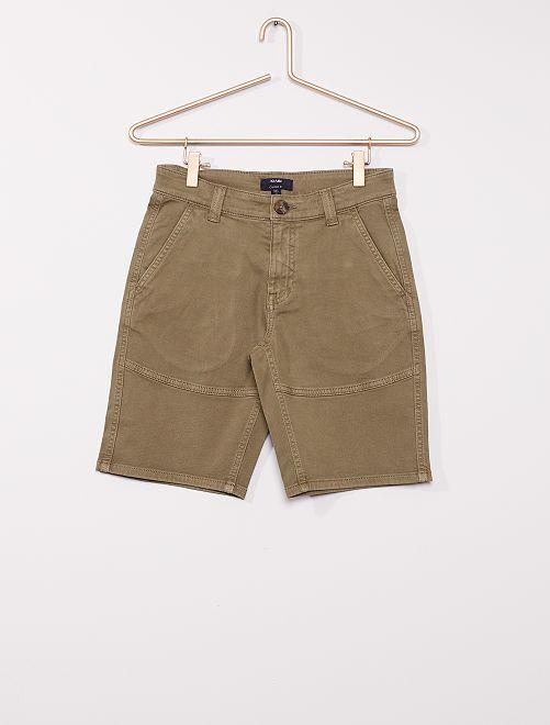 Pantalón chino corto                                         KAKI
